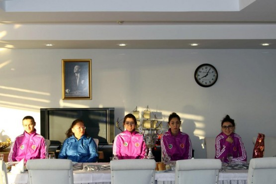Şampiyon sporcular Erhan Başkanı ziyaret etti