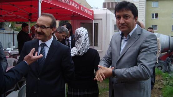 GOP kaymakamı Seddar yavuz ve Küçükköy Esnaf Sanatkarlar derneği başkanı Erkan Kaya