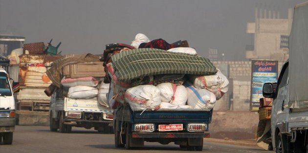 10 bin sivil daha Türkiye sınırındaki bölgelere göç etmek zorunda kaldı