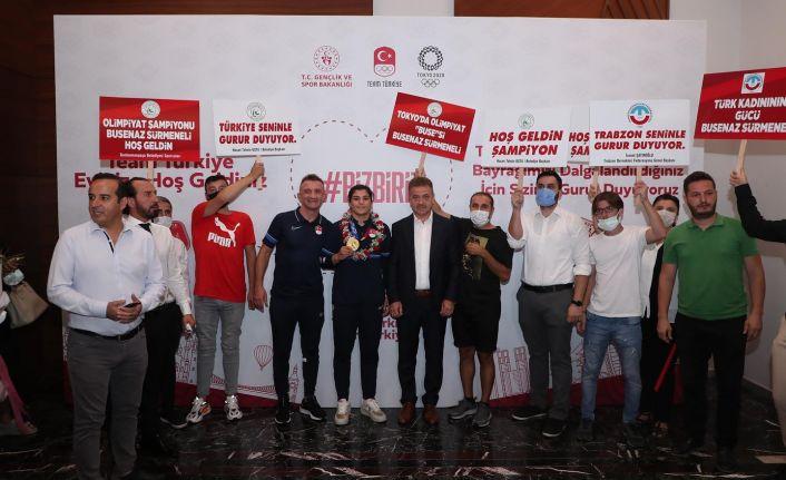Gaziosmanpaşa Belediye Başkanından Olimpiyat şampiyonu Busenaz Sürmeneli'yi coşkulu karşılama
