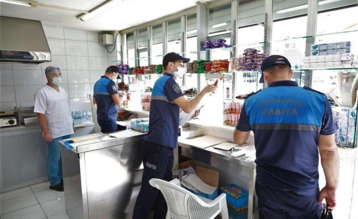 Gaziosmanpaşa Belediyesi zabıta ekipleri, öğrencilerin güvenliği için görev başında