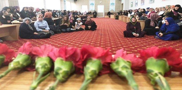 Ak Kadın Sultangazi'den Dua Programı