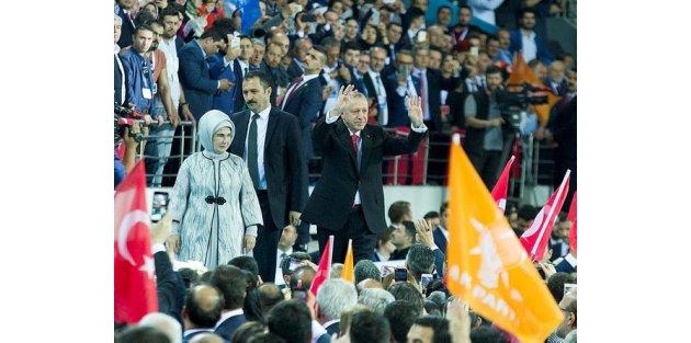 Cumhurbaşkanı Erdoğan, AK Parti'nin seçim beyannamesini açıkladı.