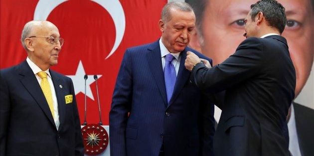 Cumhurbaşkanı Erdoğan, Fenerbahçe Yüksek Divan Kurulu Üyesi oldu