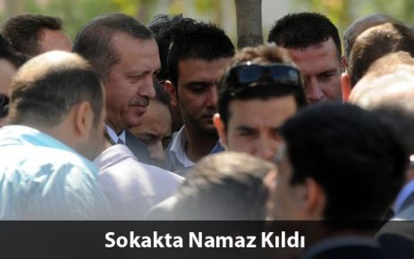 Erdoğan Cuma Namazını Dışarda Kıldı
