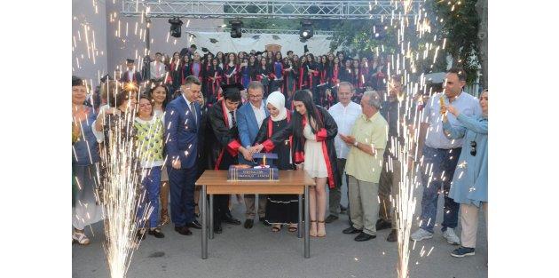 Eyüp'te üniversiteyi kazanan öğrencilere burs müjdesi