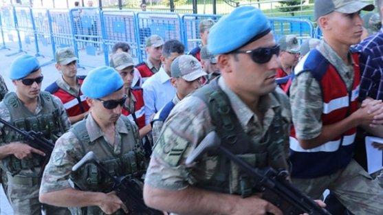 """FETÖ'cü teröristin """"PKK'lılar bana böyle davranmazdı"""" sözlerine şehit yakınları ve gazileri tepki gösterdi"""