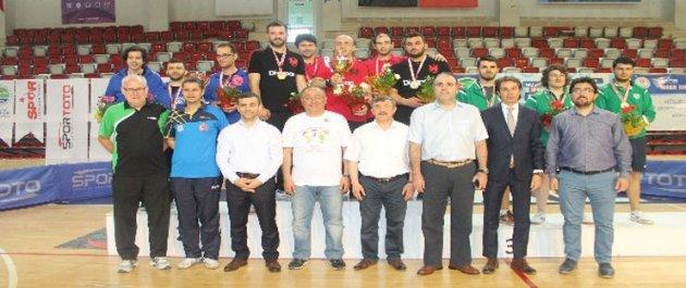 Gaziosmanpaşa Belediyespor Masa Tenisi Takımı Süper Lige Yükseldi