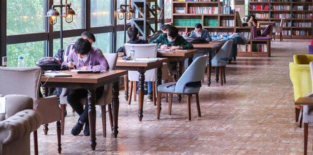 Gaziosmanpaşa Farika Kitaplı Kahve Okuyucularıyla Yeniden Buluştu