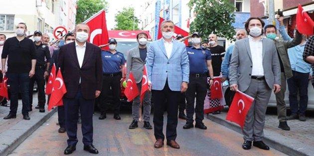 Gaziosmanpaşa'da 19 Mayıs'ta Tüm Balkonlar İstiklal Marşı İle Yankılandı