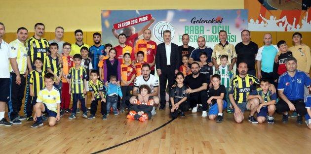 Gaziosmanpaşa'da Baba-Oğul Futsal Heyecanı