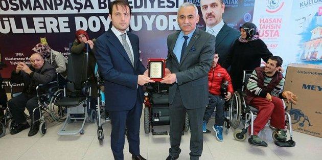 Gaziosmanpaşa'da engellilere medikal malzeme yardımı