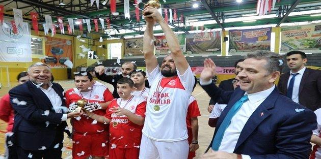 Şafak Okullarının Düzenlemiş Olduğu Engelsiz Futsal Müsabakası Renkli Görüntülere Sahne oldu