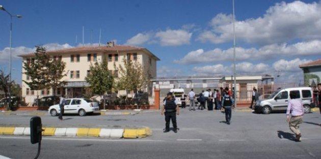Gaziosmanpaşa'da Karakola Saldırı!