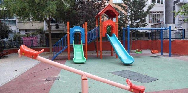 Gaziosmanpaşada Parklar Baştan Aşağı Yenileniyor