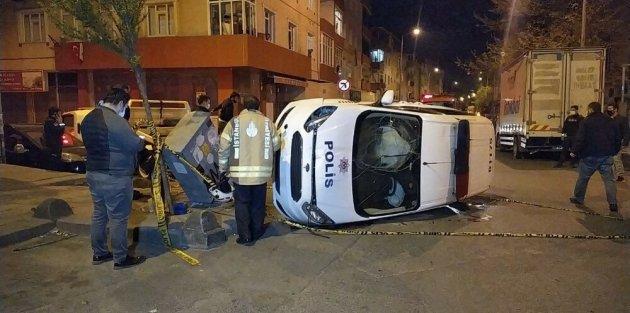 Gaziosmanpaşa'da polis aracı takla attı: 2 polis yaralandı