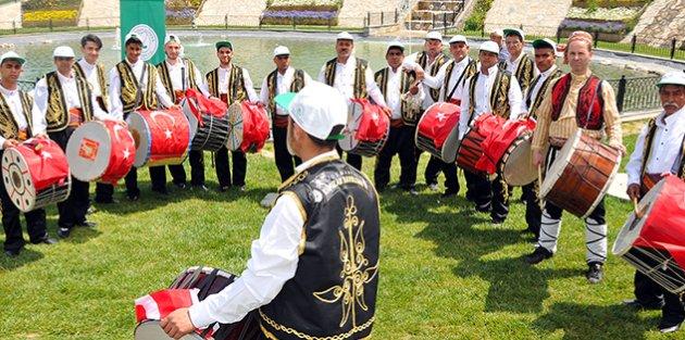 Gaziosmanpaşa'da Ramazan Davulcuları Görücüye Çıktı