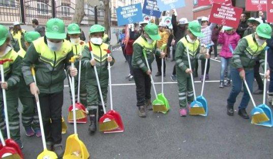 Gaziosmanpaşa'da temizlik zamanı...