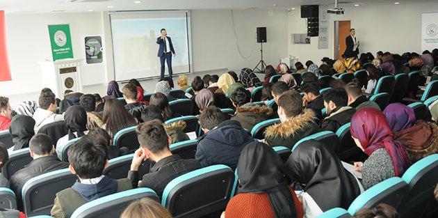 Gaziosmanpaşalı Gençlere, Etkili CV Hazırlama Teknikleri Anlatıldı