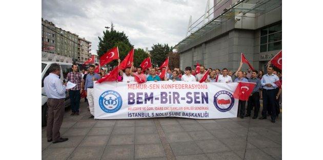 Gaziosmanpaşa'lı memurlardan darbe girişimine kınama