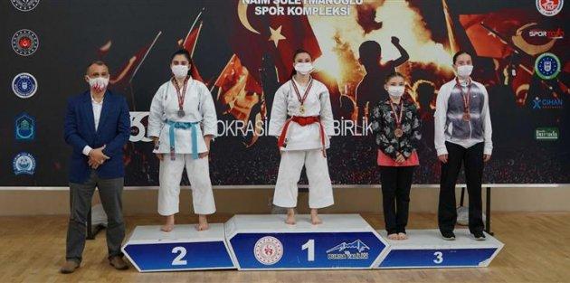 Gaziosmanpaşalı Sporcular Türkiye Kata Şampiyonası'ndan 3 Madalya İle Döndü