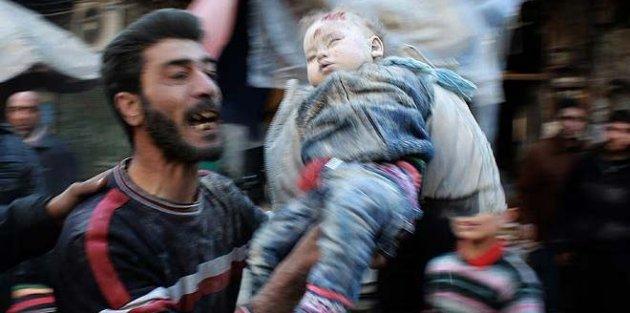 Halep'te pazar yeri ve sağlık merkezine Rus saldırısı: 7 ölü 20 yaralı