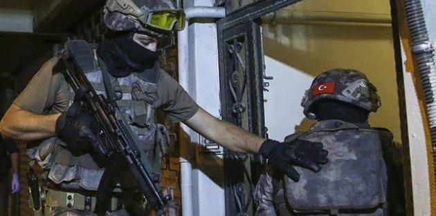 İstanbul'da eş zamanlı uyuşturucu baskını: 20 şüpheli gözaltında baskını: 20 şüpheli gözaltında