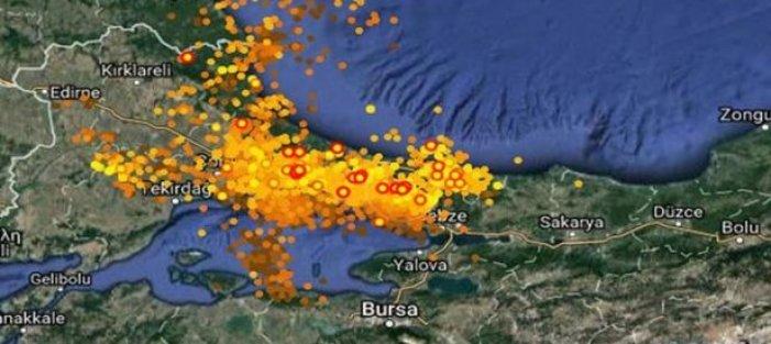 İstanbul'daki şimşekler haritada böyle görüntülendi.
