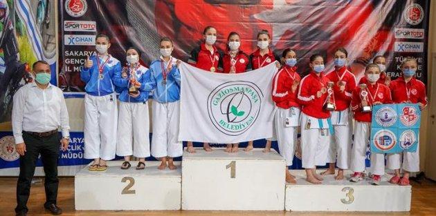 Karatede Türkiye 3.'lüğü Gaziosmanpaşa'nın