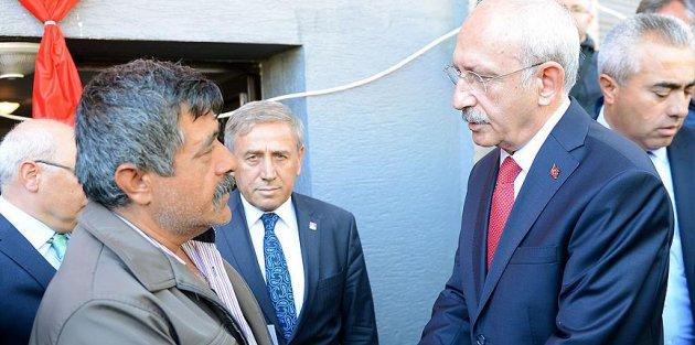 Kılıçdaroğlu Batman şehidinin babaevini ziyaret etti