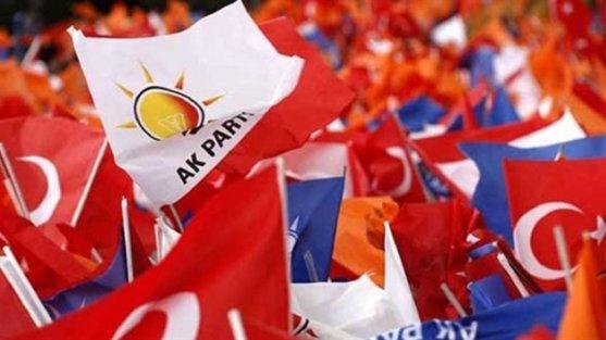 Kongre takvimini başlatan AK Parti il ve ilçe başkan adaylarını FETÖ sızmasına karşı kapsamlı incelemeden geçiriyor