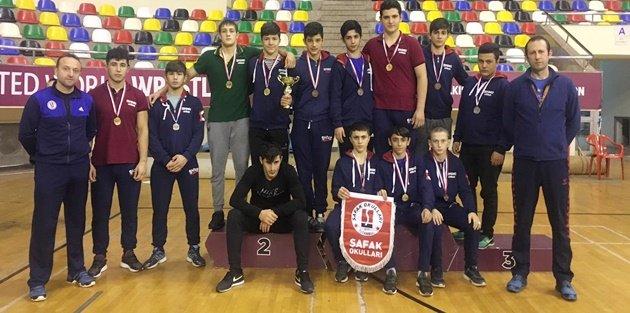Liselerarası Güreş Şampiyonu Şafak Okulları'dan!