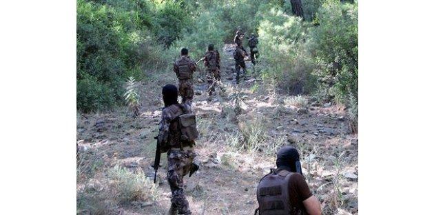 Marmaris'te aranan darbecilerden 7 asker yakalandı