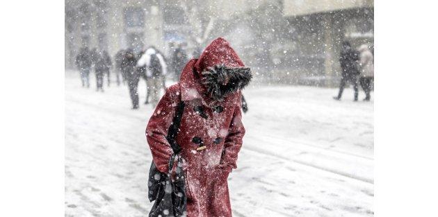 Meteoroloji alarm verdi: İstanbul'da kar yağışı yeniden başladı