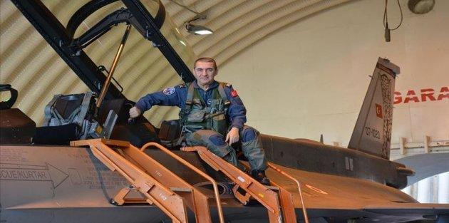 Orgeneral Küçükakyüz savaş uçağıyla terörle mücadele harekatına katıldı