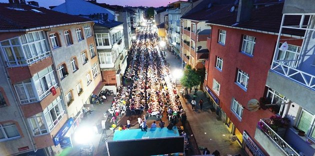 Ramazan Ayının Bereketi ve Coşkusu Gaziosmanpaşada Dolu Dolu Yaşanıyor