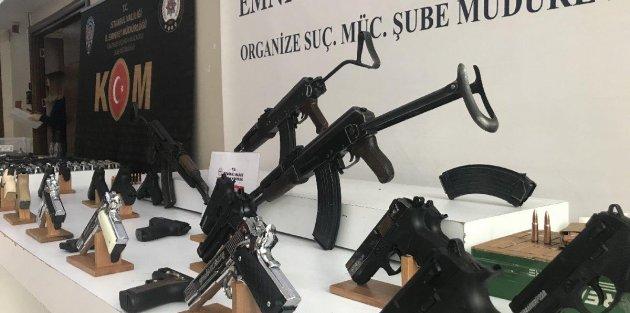 Silah kaçakçılarına operasyonda mini cephanelik ele geçirildi