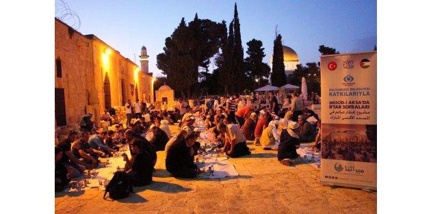 Sultangazi Belediyesi'nden Kudüs'ten Balkanlara İftar Sofrası