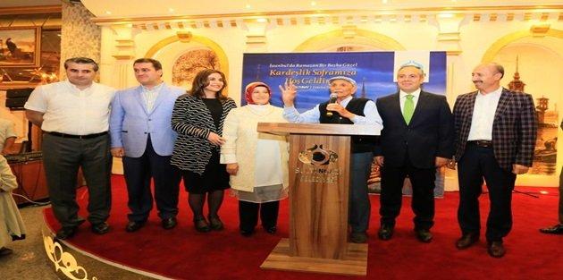Sultangazi'de Çınarlar İftarda Buluştu