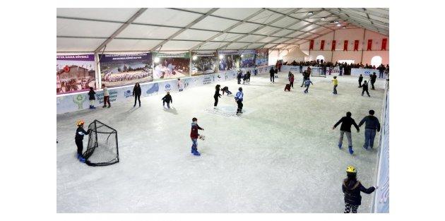 Sultangazi'de Dev Buz Pisti Açılıyor