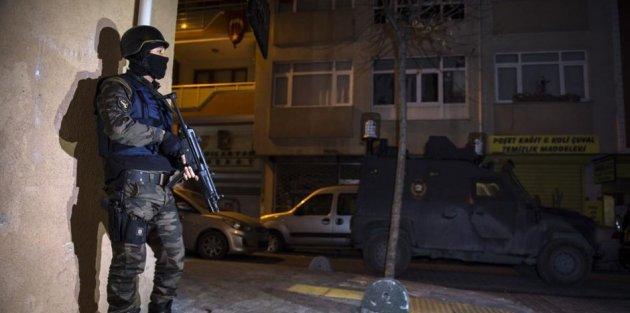 Sultangazi'de 'Dur' İhtarına Uymayan Araca Polis Ateş Açtı : 2 Ölü, 2 Yaralı