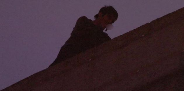 Sultangazi'de İntihara Kalkışan Şahıs Çatıda Sigara İçti