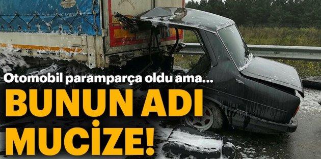 Sultangazi'de korkunç kaza! Bu araçtan sağ çıktı...