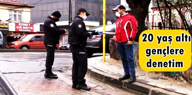 Sultangazi'de polisten sokakta bulunan 20 yaş altı gençlere denetim