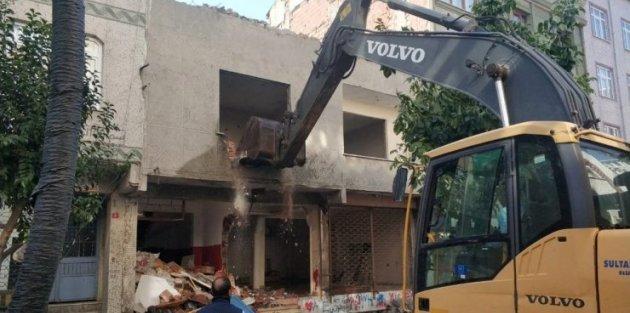 Sultangazi'de riskli binaların tespit çalışmaları sürüyor