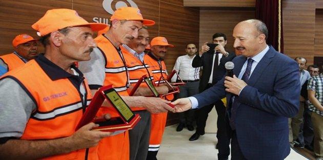 Sultangazide Temizlik İşçilerine Motivasyon Ödülleri