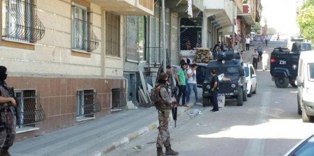 Sultangazi'de Hareketli Dakikalar! Bomba İhbarı Nedeniyle İş Yerine Operasyon Düzenlendi!