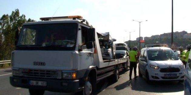 TEM Otoyolu Gaziosmanpaşa sapağında zincirleme trafik kazası