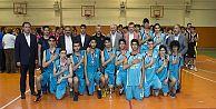 1. Başkanlık Basketbol Kupası'nın sahibi Mevlana Anadolu Lisesi oldu