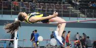 Atletizmde 25 yıllık rekoru kırdı